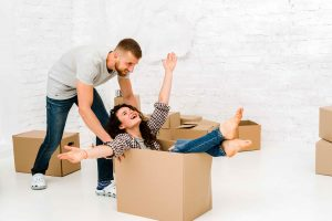 couple packing box